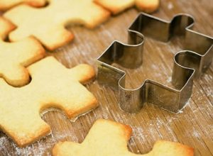 jigsaw-puzzle-pieces-cookie-cutters